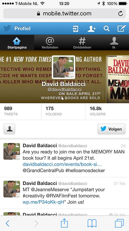 Het Twitter-profiel van David Baldacci op een mobiele telefoon